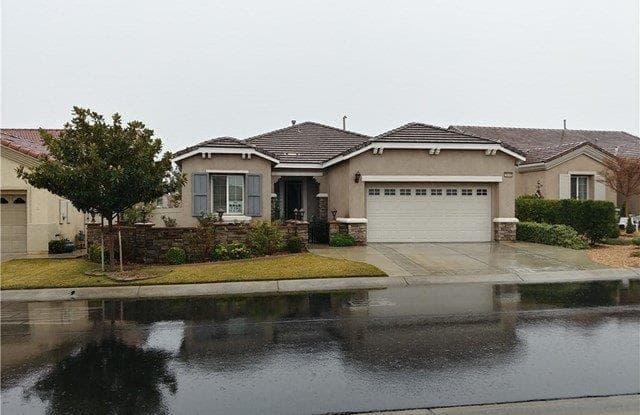 19449 Verbena Street - 19449 Verbena Street, Apple Valley, CA 92308