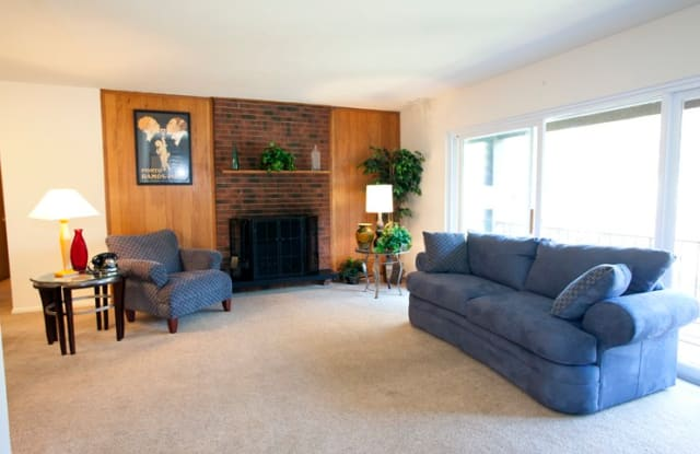 Beacon Hill West - 21465 Detroit Rd, Rocky River, OH 44116