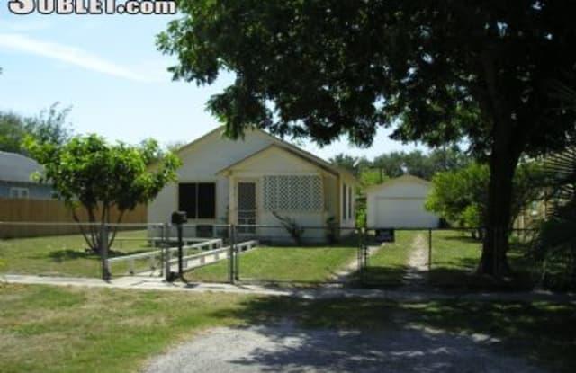 514 S Rife St - 514 South Rife Street, Aransas Pass, TX 78336