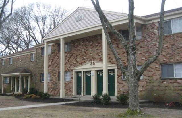 Emerald Ridge Apartments - 101 E Gibbsboro Rd, Lindenwold, NJ 08021