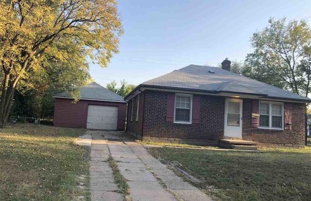 2801 E Shadybrook St - 2801 Shadybrook Street, Wichita, KS 67214