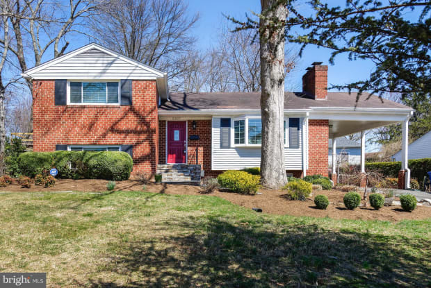 2307 BARBOUR ROAD - 2307 Barbour Road, Idylwood, VA 22043