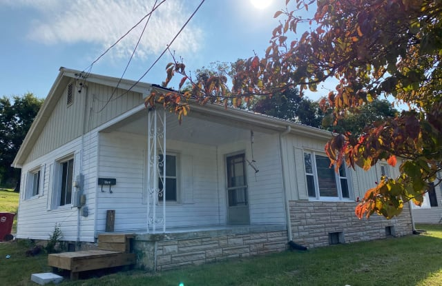 1701 Indian Ridge Rd - 1701 Indian Ridge Road, Johnson City, TN 37604