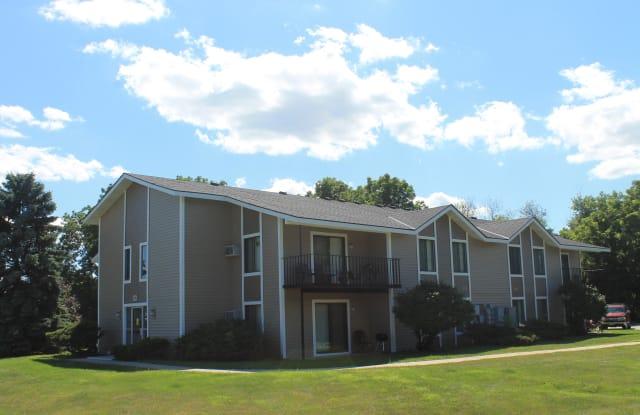 Parquelynn Village - 4703 Vista Park Ct, Delafield, WI 53058