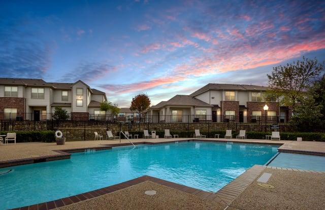 West Virginia Park Apartments - 8004 W Virginia Dr, Dallas, TX 75237