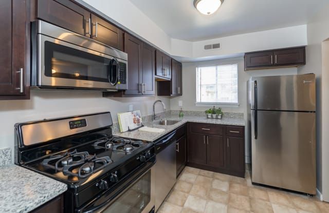 Carriage Club Apartments - 7098 Fernwood St, Dumbarton, VA 23228