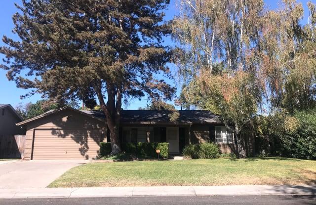 1173 Rutledge Way - 1173 Rutledge Way, Lincoln Village, CA 95207
