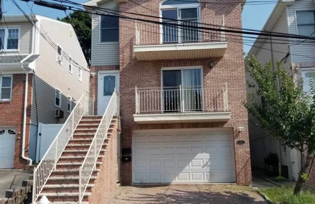 5206 COTTAGE AVE - 5206 Cottage Avenue, North Bergen, NJ 07047