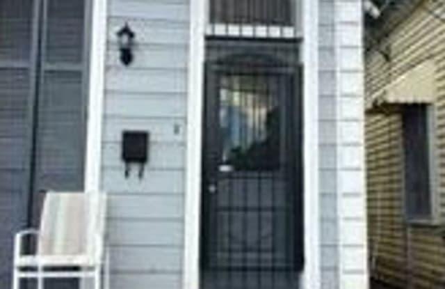 913 Seventh St. - 913 Seventh Street, New Orleans, LA 70115