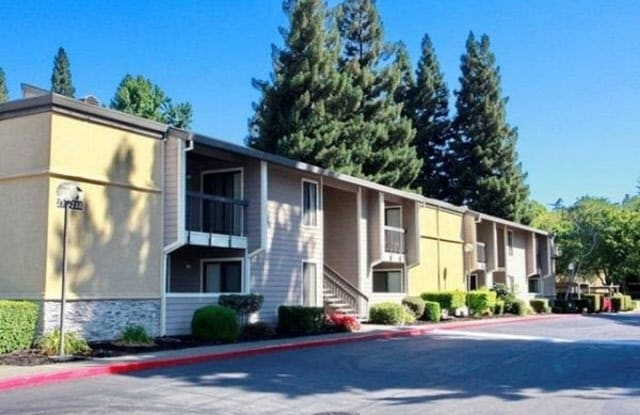 Rivercrest Apartments - 7928 La Riviera Dr, Sacramento, CA 95826