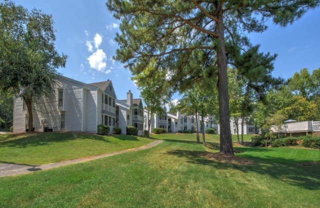 Chatham Wood - 856 Lakecrest Ave, High Point, NC 27265