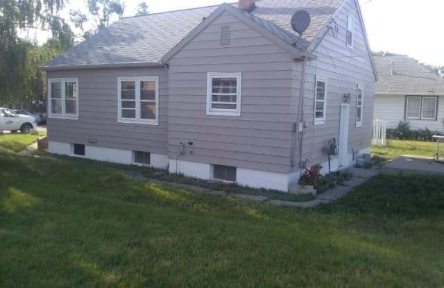408 Washington Ave - 408 Washington Avenue, Williston, ND 58801