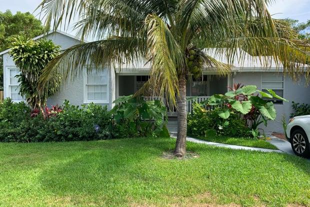 826 Hampton Road - 826 Hampton Road, West Palm Beach, FL 33405