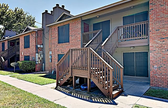 3008 Sappington Pl - 3008 Sappington Place, Fort Worth, TX 76116