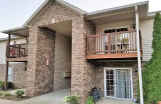 Treis Condominiums - 11917 Tazwell Drive, Worthington Hills, KY 40245