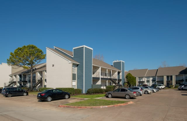 Whispering Winds Apartments - 2902 Whispering Winds Dr, Pearland, TX 77581