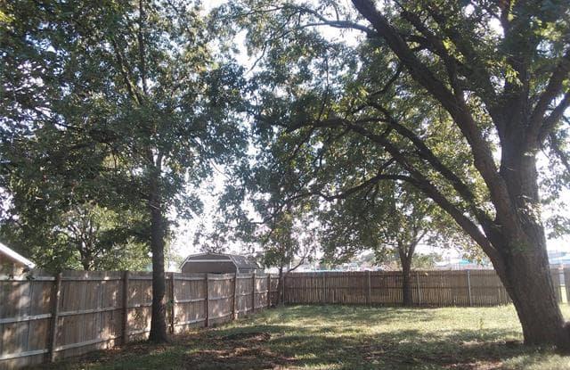 304 E Ash Street - 304 E Ash St, Decatur, TX 76234