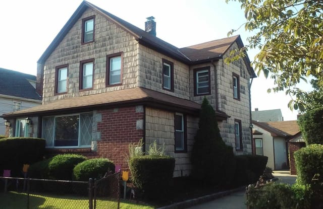 240 Jefferson Ave - 240 Jefferson Avenue, Mineola, NY 11501