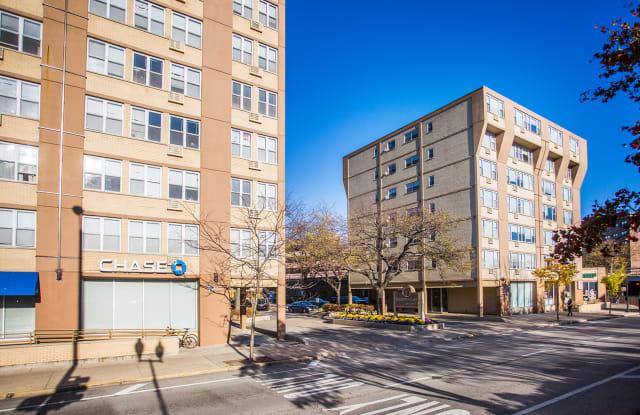 Sheridan Lake Apartments - 6401 N Sheridan Rd, Chicago, IL 60626