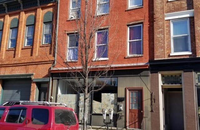 260 Locust Street - Commercial Front - 260 Locust Street, Columbia, PA 17512