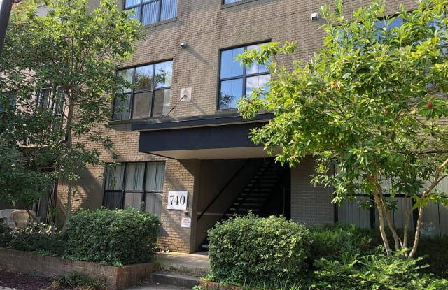 740-4A Walker Square Apartments - 740 Walker Sq, Charlottesville, VA 22903