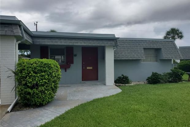 348 Easton CT - 348 Easton Court, Lehigh Acres, FL 33936