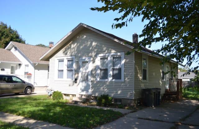 608 Glenwood Avenue - 608 Glenwood Avenue, Elgin, IL 60120