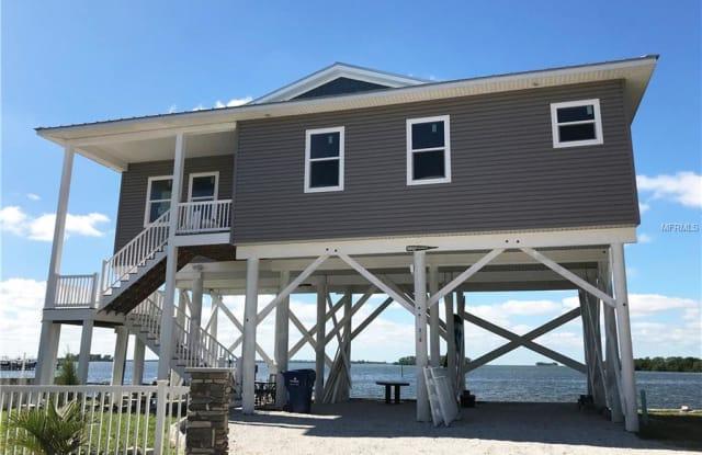 380 BAYSHORE DRIVE - 380 Bayshore Drive, Palm Harbor, FL 34683