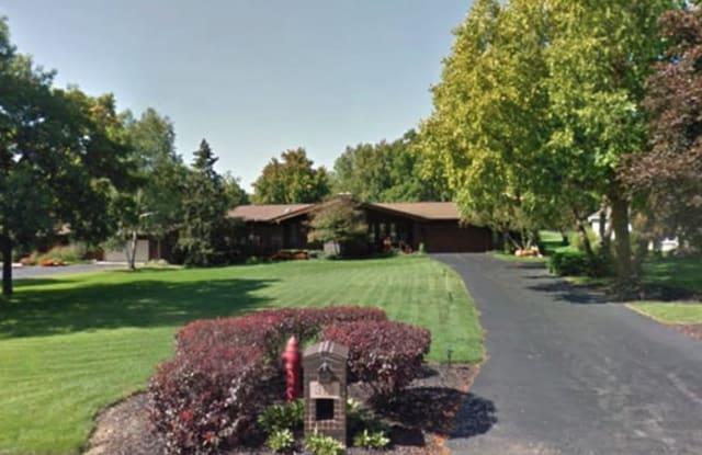 319 Greenwood Acres Drive - 319 Greenwood Acres Drive, DeKalb, IL 60115