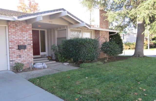 1090 THIRD STREET - 1090 3rd Street, Gilroy, CA 95020
