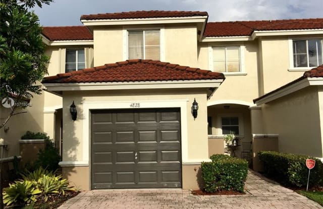 4828 NW 114 CT - 4828 NW 114th Ct, Doral, FL 33178