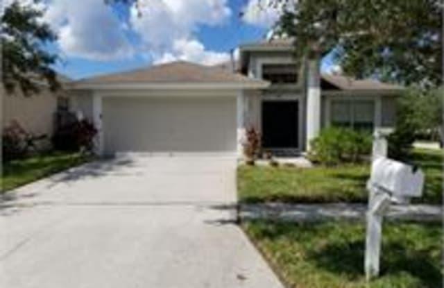 27519 sky lake circle - 27519 Sky Lake Circle, Wesley Chapel, FL 33544