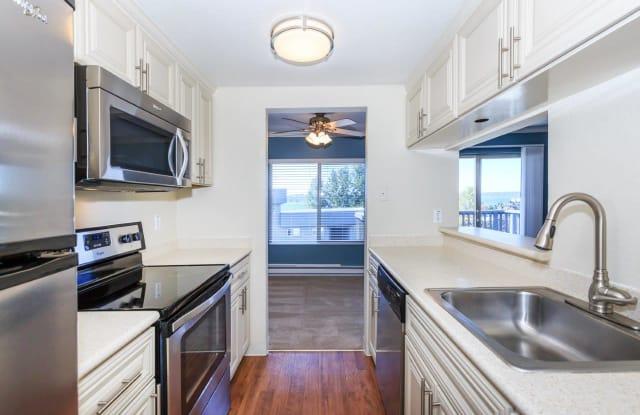 Pleasant Bay - 6750 Lake Washington Blvd NE, Kirkland, WA 98033