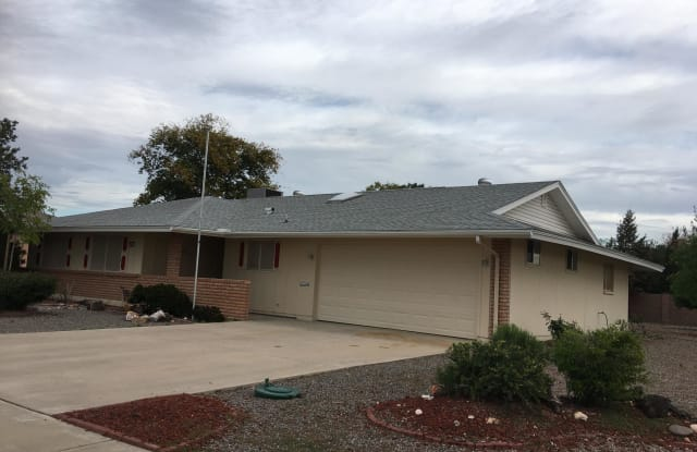 10423 W FLORIADE Drive - 10423 West Floriade Drive, Sun City, AZ 85351
