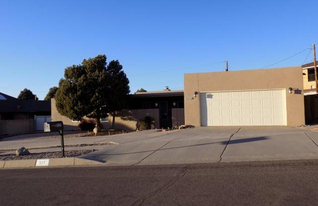 517 Monte Alto PI NE - 517 Monte Alto Place Northeast, Albuquerque, NM 87123