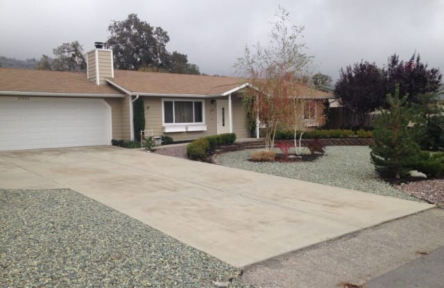 27660 Hialeah - 27660 Hialeah Drive, Stallion Springs, CA 93561