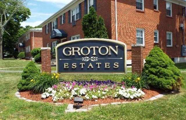 320 Shennecossett Road - 320 Shennecossett Road, Groton, CT 06340