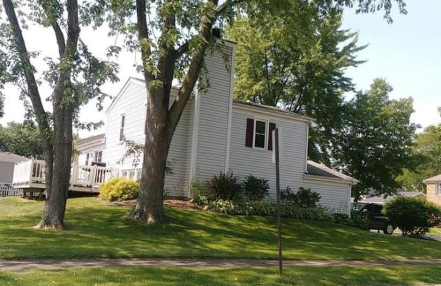 125 Chatham Lane - 125 Chatham Lane, Roselle, IL 60172