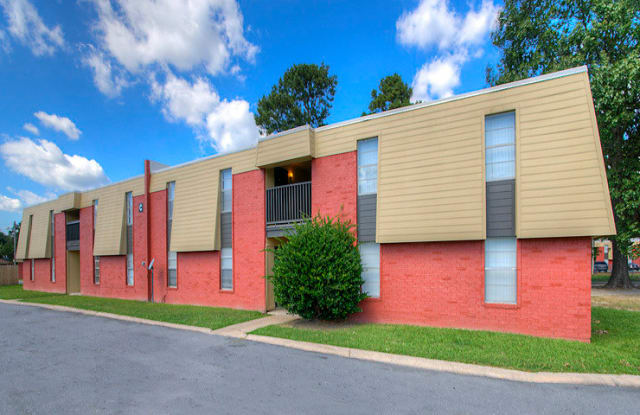 Sunset Village - 2611 W 34th Ave, Pine Bluff, AR 71603