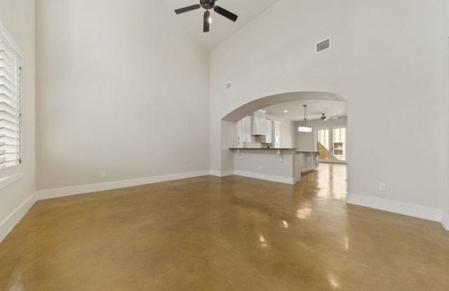619 Stadtbach Street - 619 Stadtbach St, New Braunfels, TX 78130