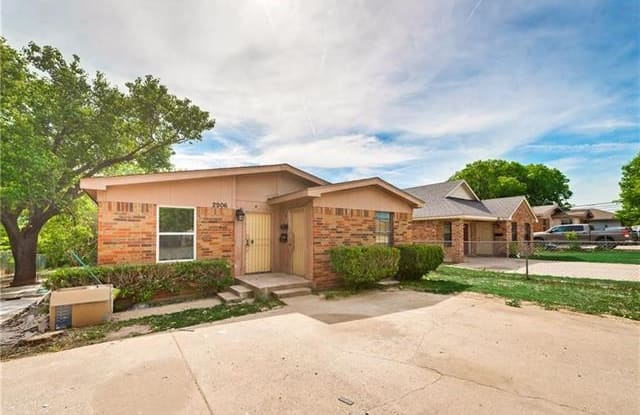 2906 Columbus Avenue - 2906 Columbus Avenue, Fort Worth, TX 76106