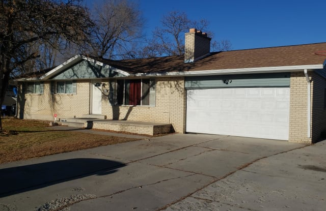 3752 W Englewood Dr - 3752 Englewood Drive, Taylorsville, UT 84129