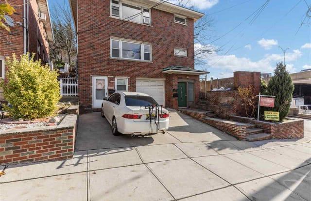 40 HAUXHURST AVE - 40 Hauxhurst Avenue, Hudson County, NJ 07086