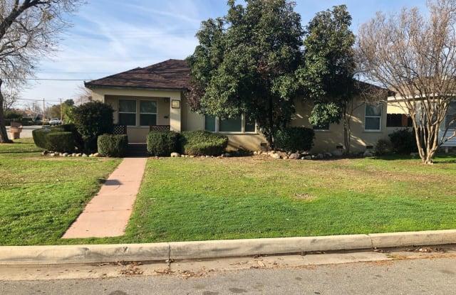 628 Charlana Dr. - 628 Charlana Drive, Oildale, CA 93308