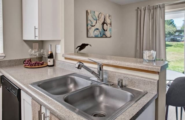 Beaumont Grand Apartment Homes - 8504 82nd St SW, Lakewood, WA 98498