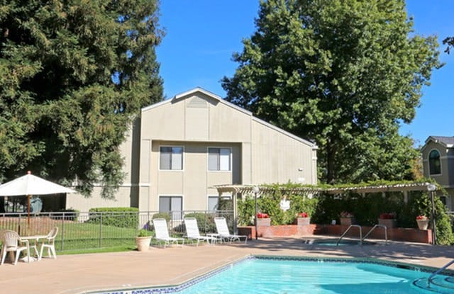 Lakeview Garden Apartments - 7627 Windbridge Dr, Sacramento, CA 95831
