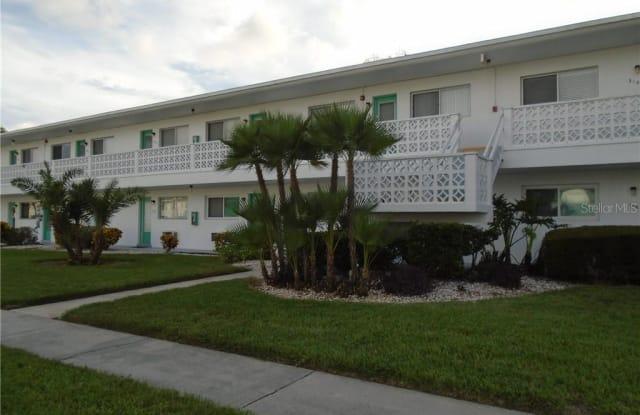 11200 86TH AVENUE - 11200 86th Ave, Seminole, FL 33772