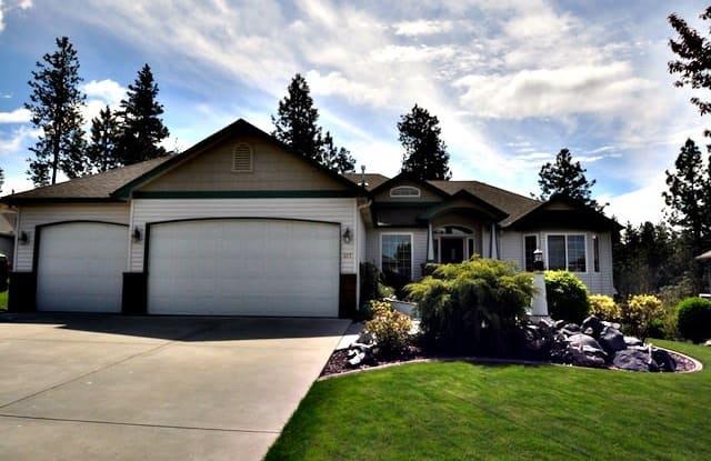 317 South Shelley Lake Lane - 317 South Shelley Lake Lane, Spokane Valley, WA 99037
