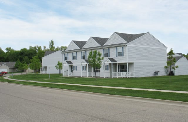 The Gables Townhomes - 4009 West Newcomb Drive, Sioux Falls, SD 57106