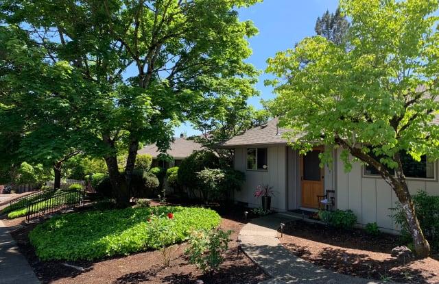Ridgecrest Apartments - 7845 Southwest Hillcrest Place, Beaverton, OR 97008